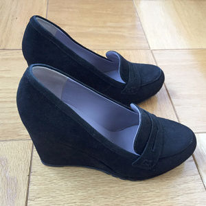 Boden Black Suede Wedge Loafers Size 38 NWOT